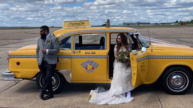 Checker-Cab-Weddings-Bride-600